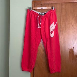 Nike Cropped Sweats size L